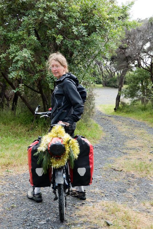 Festlich geschmücktes Rad, Neuseeland Nordinsel