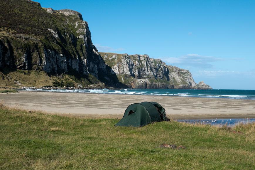 Unser Zelt in der Purakaunui Bay (Catlins), Neuseeland Südinsel