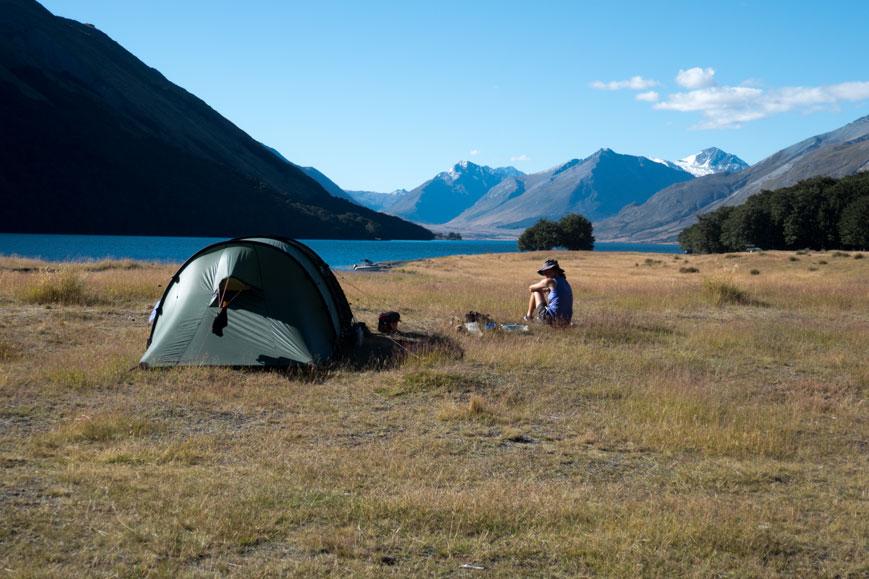 "Zeltstelle auf dem Radweg ""Around the Mountains"" an den Mavora Lakes, Neuseeland Südinsel"