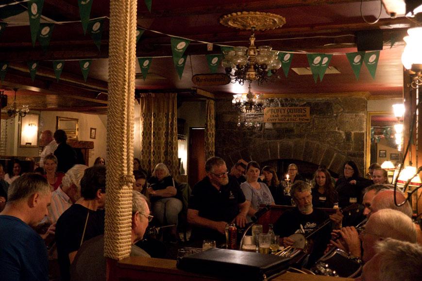 Irische Musik im Pub Bofey Quinn's in Corofin