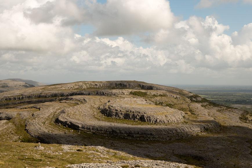 Der Burren, eine große Karstfläche bei Corofin