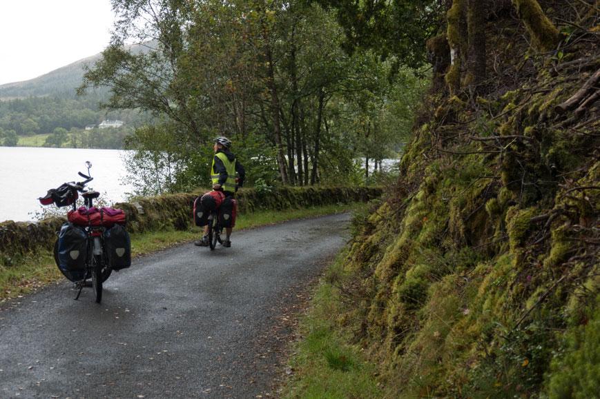 Unser Radweg abseits des Straßenverkehrs am Loch Venachar
